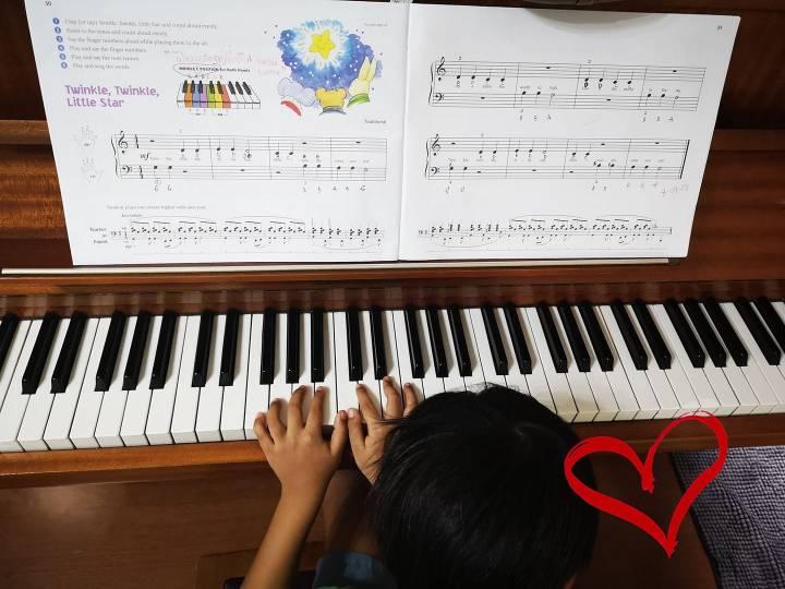 ข้อดีของการเรียนเปียโนกับลูก